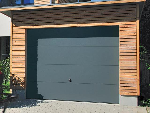 Installer une porte de garage en alsace isofen sarl for Installer chatiere porte garage