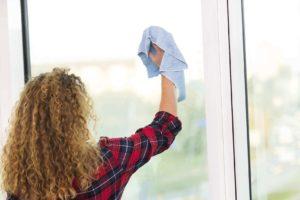 nettoyer une fenêtre en PVC